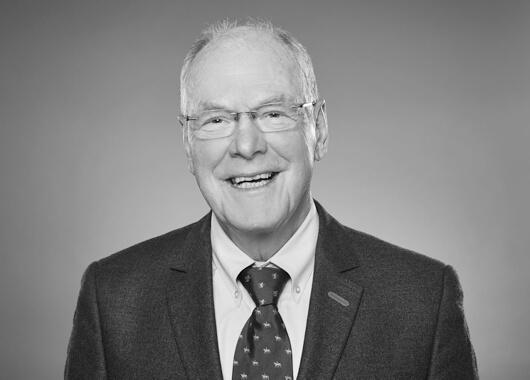 Dr. Burkart Fischer